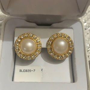 Vintage 10k Pearl and Crystal Studs